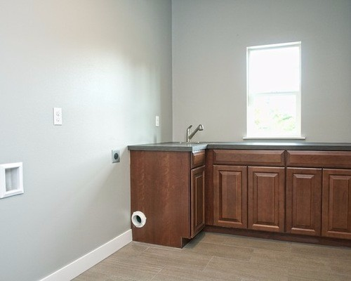 6521a23f05f7558d_4246-w500-h400-b0-p0--traditional-laundry-room